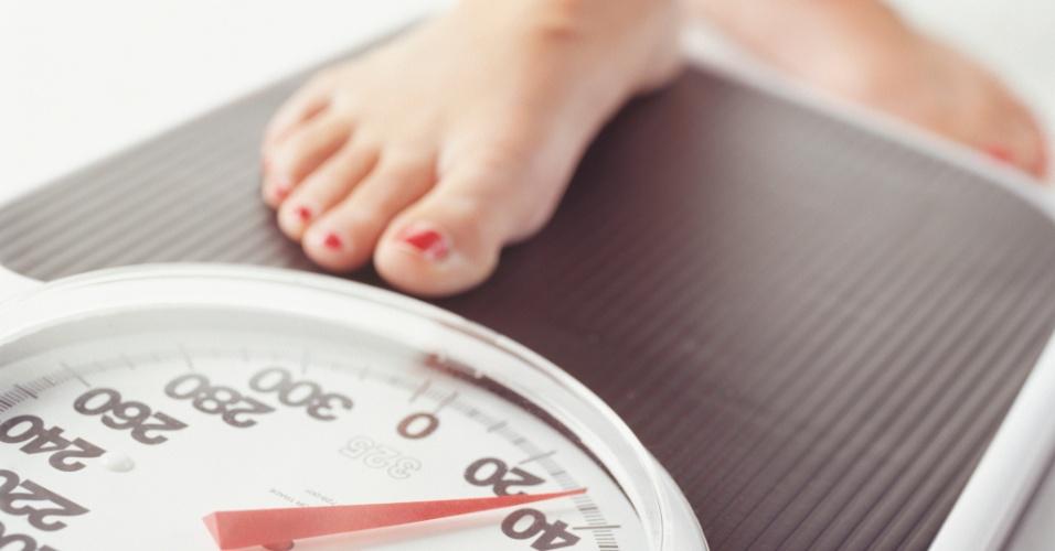 http://www.sorayaoliveira.psc.br/wp-content/uploads/2015/02/balanca-obesidade-peso-dieta-SO.jpg